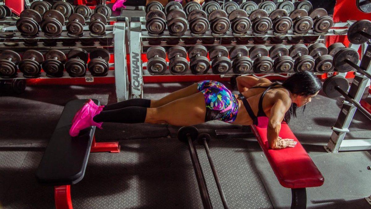 Ławeczka treningowa do domu – jaką kupić? Jaka ławka treningowa jest najlepsza?