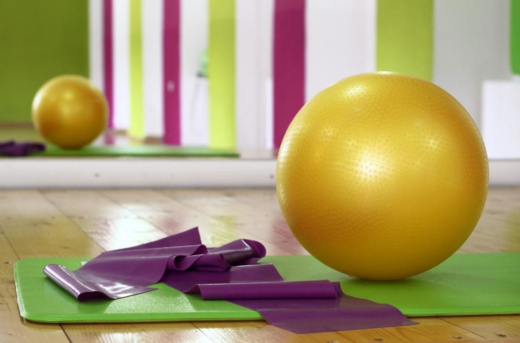 Piłka do ćwiczeń fitness – czym jest i jaką wybrać?