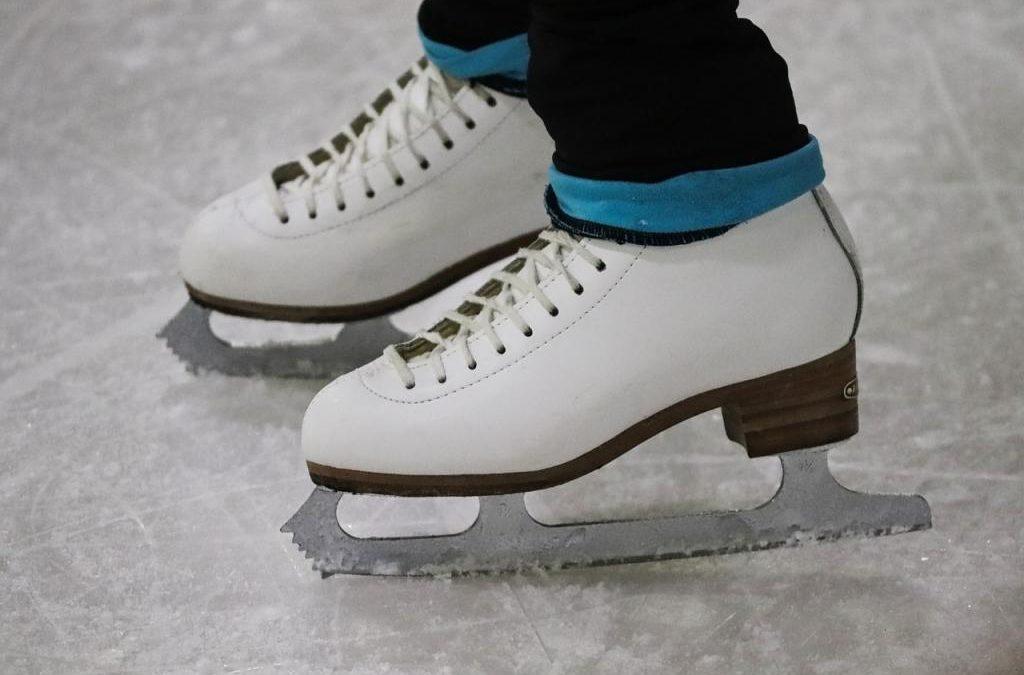 Jakie łyżwy kupić? Wybieramy łyżwy figurowe, hokejowe, oraz łyżwy dla dzieci