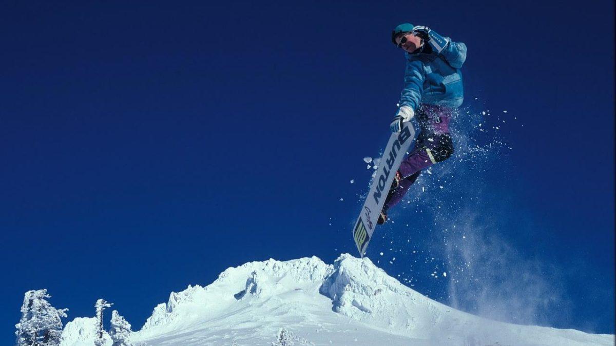 Deska snowboardowa – jak dobrać? Wybieramy najlepsze deski snowboardowe – damskie, męskie oraz dla dzieci