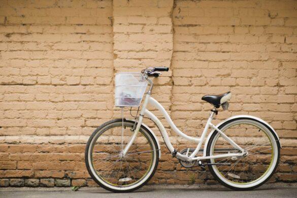 rower miejski z koszykiem
